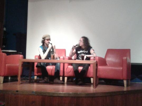 Tässä Duncania haastattelee Toni Jerrman. Duncan oli erittäin luonteva esiintyjä, jolta kyllä juttua riitti. Ja se skottiaksentti!